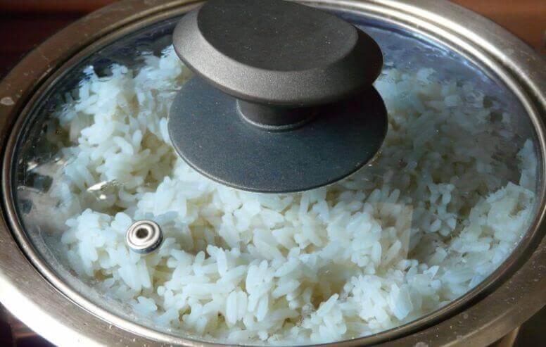 cozinham arroz